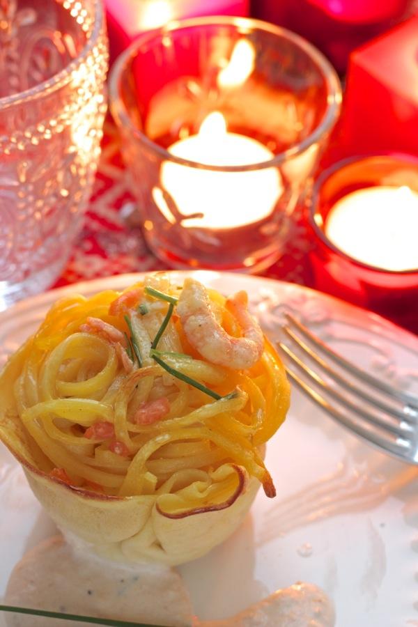 tortini di tagliolini con gamberetti e salmone
