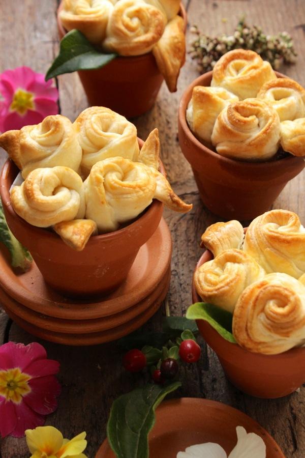 vasi con rose di brisè