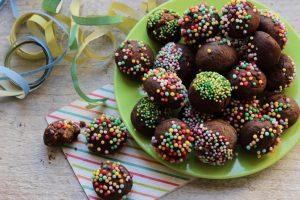 castagnole al cacao ricche al forno