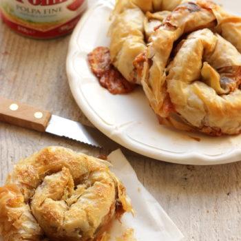 Una ricetta per Pomi: Spirali di pasta fillo con melanzane e pomodoro