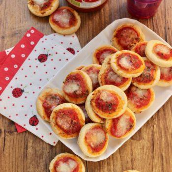 Una ricetta per Pomi: Pizzette senza lievitazione