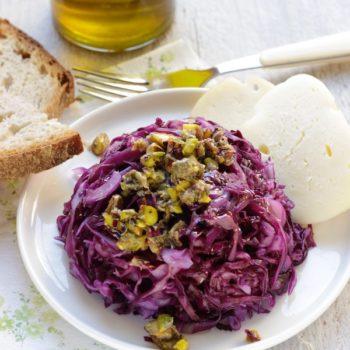 Pesto di pistacchi saporito per verdure e carni