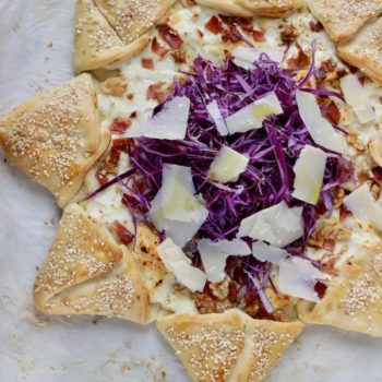 Stella di pizza con ricotta prosciutto crudo e cavolo viola