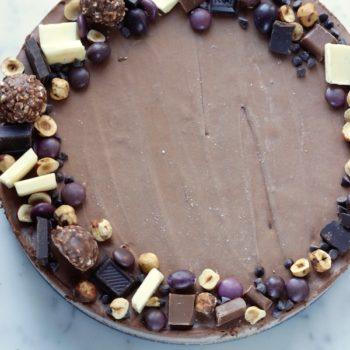 Mousse al cioccolato in crosta di nocciole: Il Dolce!
