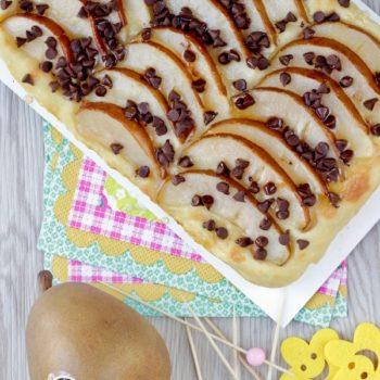 Una ricetta per pera Angelys: la pizza dolce con pera e  gocce di cioccolato.