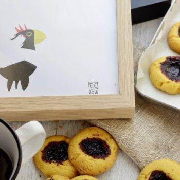 Biscottini alla curcuma pepe e confettura di mirtilli