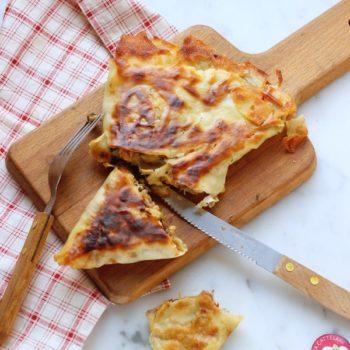 Triangolo di pane carasau ripieno di verdure