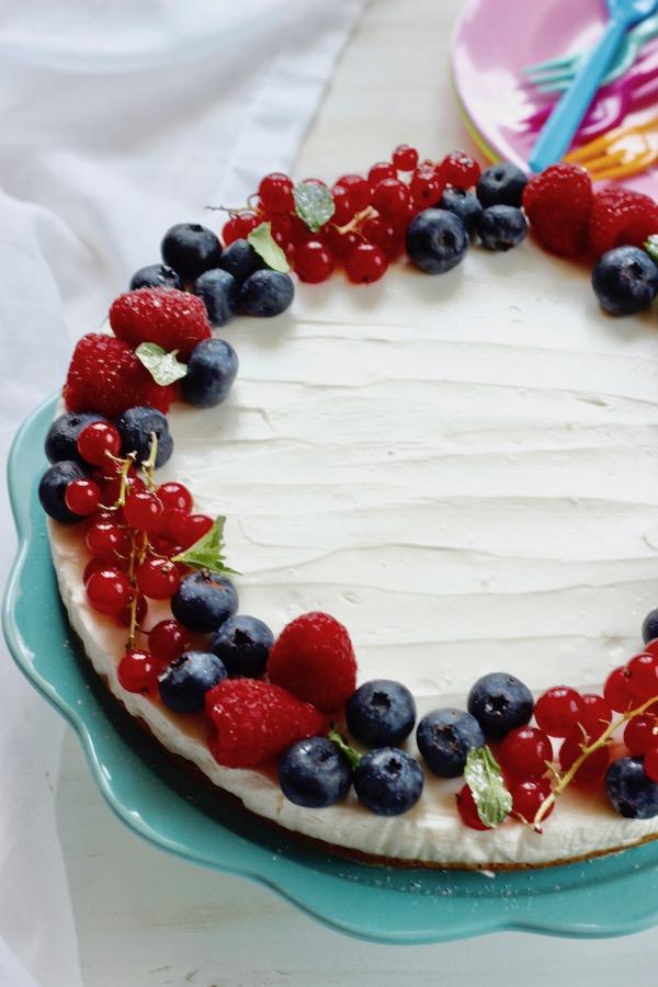 cheese cake allo yogurt con frutti di bosco