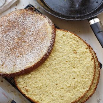 Pan di spagna in padella