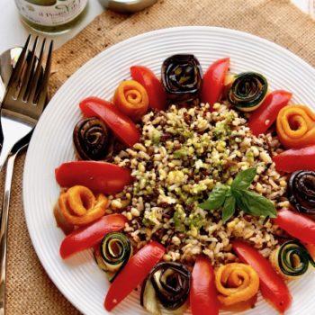 Insalata di cereali riso selvaggio e verdure con Pesto di Pra