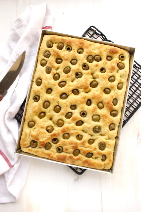 Focaccia morbidissima con olive