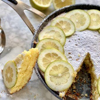 Torta soffice con crema al limone in padella