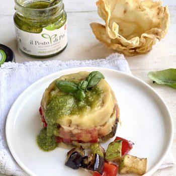 Sformatino croccante di pane carasau con Pesto di Pra' e verdure estive