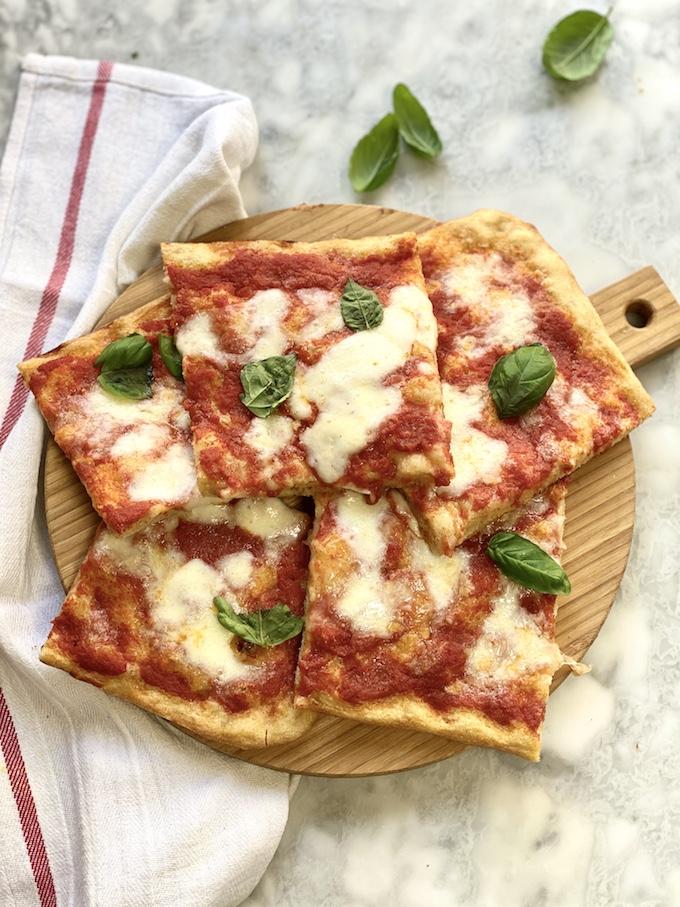 Ricetta Pizza Napoletana Teglia.Pizza Margherita In Teglia Romana Tempo Di Cottura