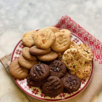 Tanti biscotti con un solo impasto, ricetta con latte condensato
