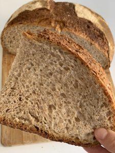 Pane casereccio con licoli fatto in casa