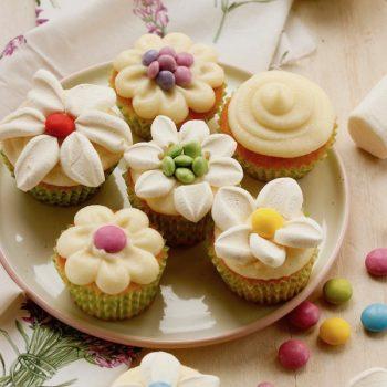 Tortini  alla vaniglia decorati per la festa della mamma