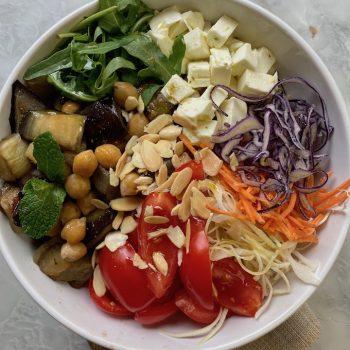 La mia Buddah bowl, tutto il pasto  in una ciotola.