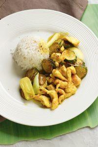 Straccetti di pollo con curcuma e verdure