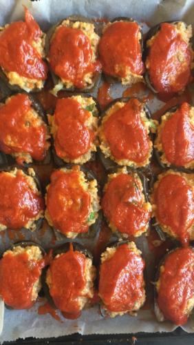 Ricoprite le melanzane con la salsa di pomodoro