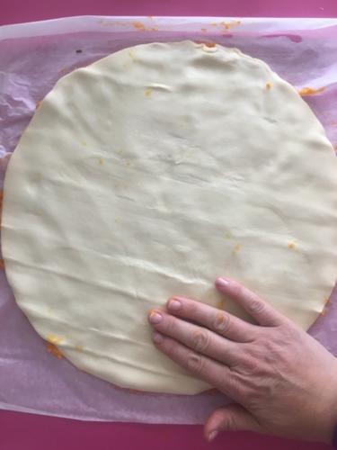 coprite con l'altro foglio di pasta sfoglia