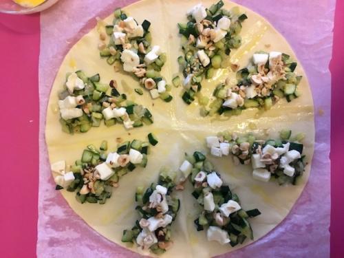 ripieno di zucchine, formaggio e nocciole