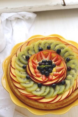 Torta morbida con frutta