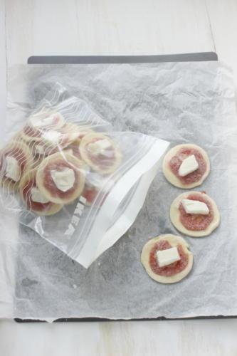 Pizzette di pasta sfoglia congelate