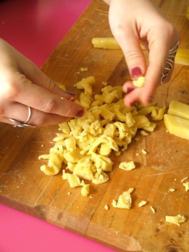 ricavate delle briciole di pasta