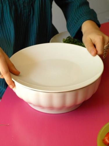 coprite con un piatto e lasciate gonfiare per dieci minuti