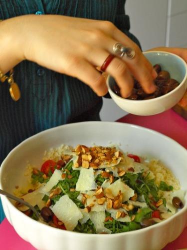 aggiungete le mandorle e le olive tagiasche