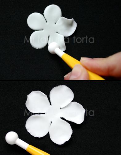 modellare i fiori