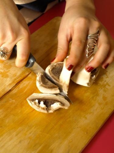 tagliate i funghi