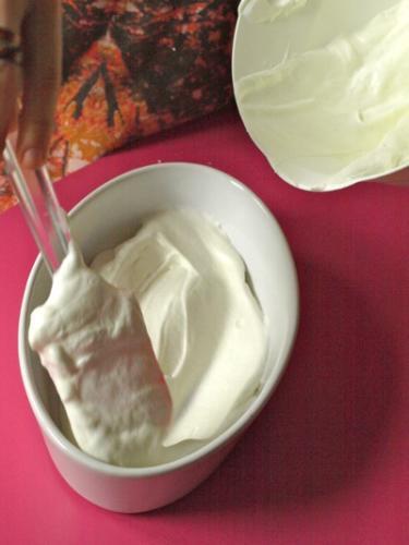 versate uno strato di crema