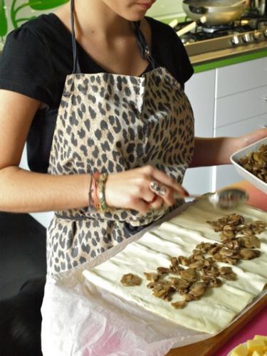 distribuire i funghi sulla pasta
