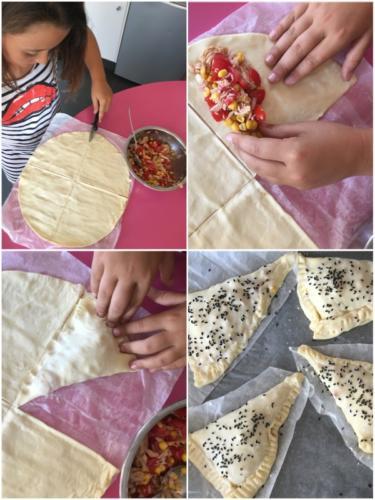 dividete il foglio di pasta sfoglia in quattro sezioni, farcite, richiudete e ponete sulla placca del forno